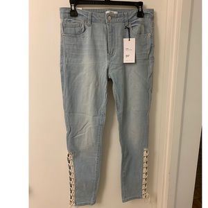 NWT Forever 21 light wash jeans